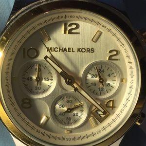 Michael Kors Twist Chain Chronograph
